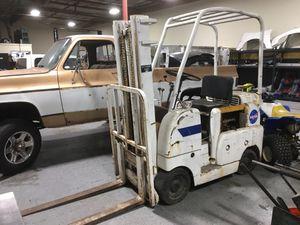Forklift 4000lb for Sale in Pomona, CA