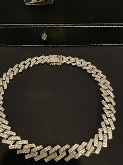 Iced Out Gold Plated Cuban Chain for Sale in Pasadena,  CA