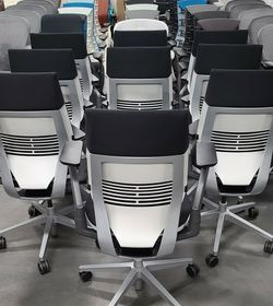 BRAND NEW! 2020/2021 STEELCASE GESTURE CHAIRS FULLY ADJUSTABLE ARMS & LUMBAR SUPPORT SEAT DEPTH REAR TILT LOCK TILT TENSION ADJUSTMENTS BLACK W/WHITE for Sale in Monterey Park,  CA