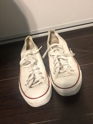 White converse size 8. for Sale in Moreno Valley, CA