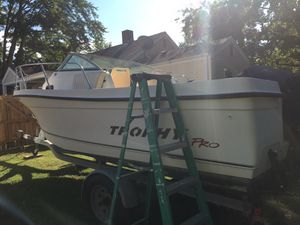 2002 trophy 22ft cuddy cabin for Sale in Portsmouth, VA