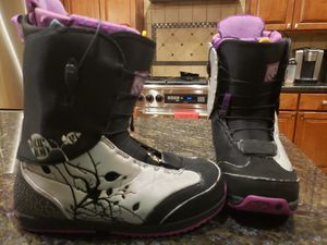 Womens size 11 snowboard boots Burton for Sale in Renton, WA