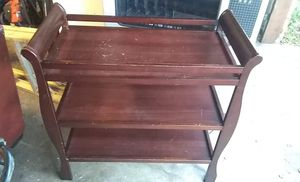 Selling bassinet and changing table for Sale in Grand Prairie, TX