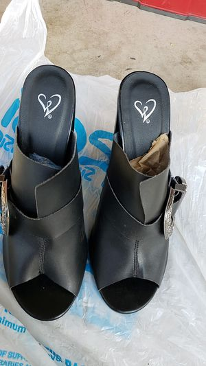 Black heels for Sale in Fontana, CA
