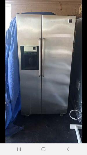 Frigidaire double door freezer... This is a double door freezer with ice machine for Sale in Tucson, AZ