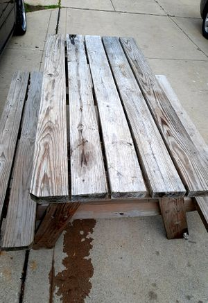 Picnic Table excellent condition for Sale in Grove City, OH