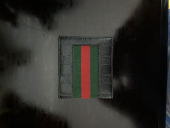 Gucci wallet for Sale in Pelham,  NH
