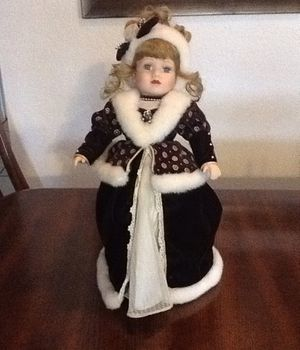 "Porcelain doll/ 16"" Collectible Porcelain Doll/ Toy or collectible for Sale in Brandon, FL"