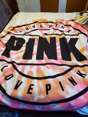 Big pink vs beach towel for Sale in Greenville, SC