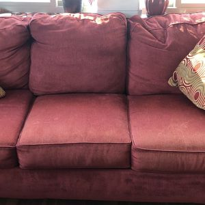 3 Seater Couch With Cushions Free for Sale in Framingham, MA