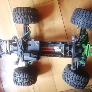 Traxxas Stamped Roller for Sale in Weston, CT