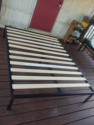 Queen bed frame new condition for Sale in Simpsonville, SC