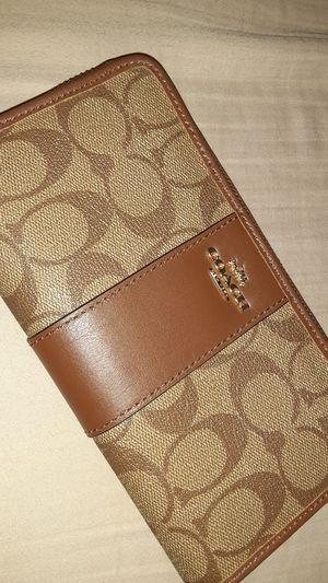 Coach wallet for Sale in Pumpkin Center, CA