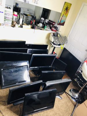It's deal for people buy stuff islands 15 tv for sell.. 2 of the 40 inch 6 of them 34 inch 5 of the 28 inch and 2 of them 20 inch everything for $400 for Sale in Tampa, FL
