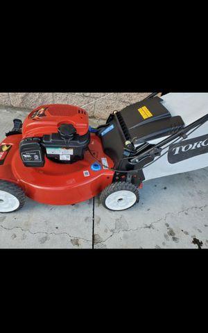 TORO GAS LAWN MOWER LIKE NEW for Sale in San Bernardino, CA