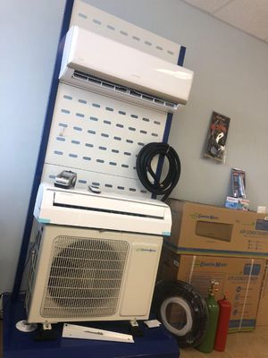 Mini splits systems air conditioner new with no duct for Sale in Orlando, FL
