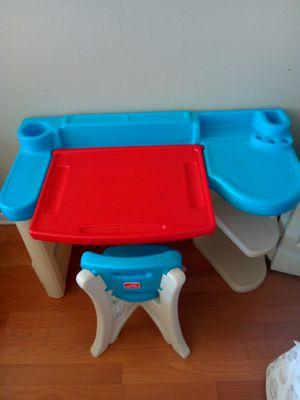 Kids desk for Sale in Hanover Park, IL