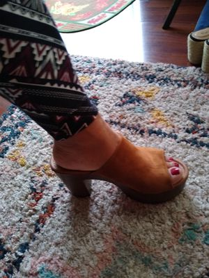 Zapatillas casi nuevo sais 10 for Sale in Los Angeles, CA