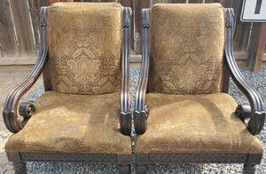 2 sillas grandes muy bonitas y macisas for Sale in Fresno, CA
