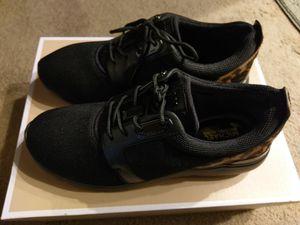 Michael Kor Shoes size 7 women. for Sale in Renton, WA