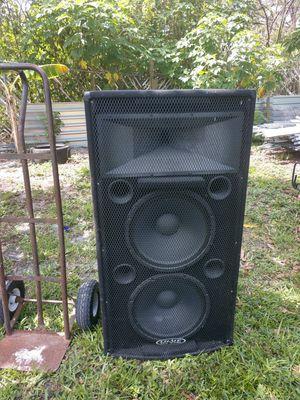 SPEAKERS PRO AUDIO for Sale in Fort Pierce, FL