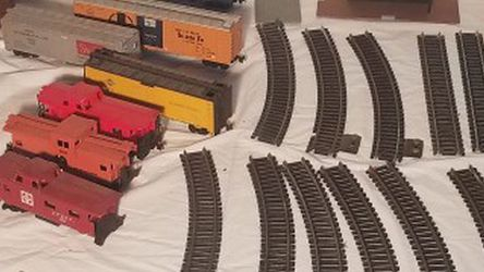 Vintage Toy Train Freight Engine Cars Tyco Budweiser Illinois Central Plus More for Sale in Plainfield,  IL