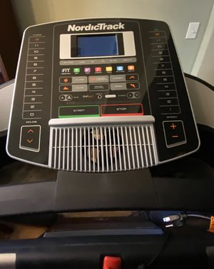 Treadmill NordicTrack for Sale in Rosenberg, TX