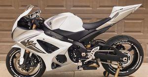 ''Price$1200'' Suzuki Gsx-r 1000 Low/Miles Runs.Like.NEW. for Sale in Anaheim, CA