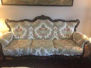 """Beatiful Multi Color Italian Style Living Room Set """"MUST SEE"""" - $3500 (Chantilly , VA) for Sale in South Riding, VA"""