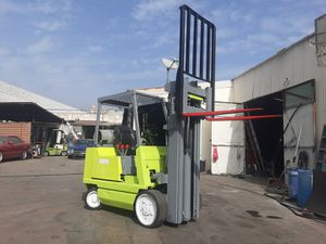 """FORKLIFT """"CLARK"""" 4500-LB CAPACITY $2,980!!! (3) STAGES W/SIDE-SHIFT RUNS GREAT!!!$2,980!!! SUPER CLEAN!! WHOLESALE!!! for Sale in Santa Fe Springs, CA"""