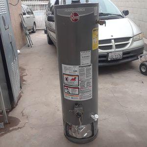 RHEEM 28 GALLON GAS WATER HEATER for Sale in La Puente, CA