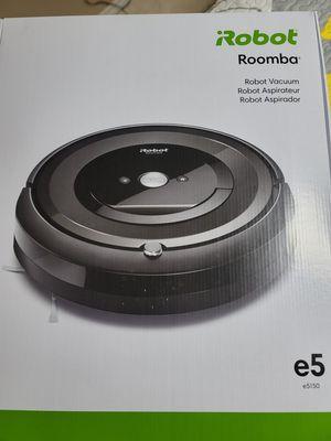 Robot vacuum Roomba E5 for Sale in Miami, FL