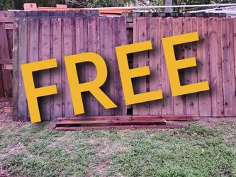 FREE FENCING - 4 PANELS, EXTRA PICKETS, SOME LUMBER for Sale in Pompano Beach,  FL
