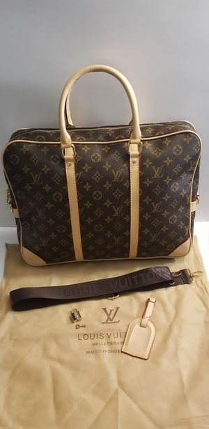 DESIGNER MESSENGER BAG for Sale in Center Line, MI
