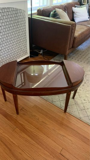 Antique coffee table for Sale in St. Louis, MO