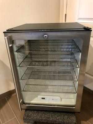 U-Line ADA Series Stainless Steel Mini Refrigerator – Good Condition (Used) for Sale in Berkeley, CA