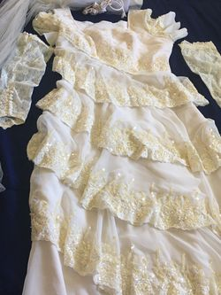 Vintage Wedding Dress for Sale in Gilroy,  CA