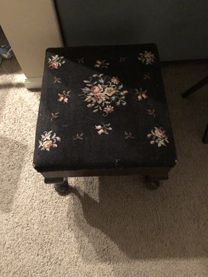 Antique Foot Stool for Sale in Reynoldsburg, OH
