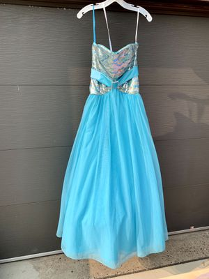 Pick up today size 6 dress for Sale in Murrysville, PA