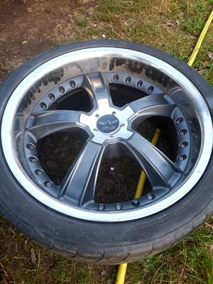 Rims!! Posting for a friend, not sure specifics on these I believe they are 5 lug. They're big. Almost brand new make offer! for Sale in Grants Pass, OR
