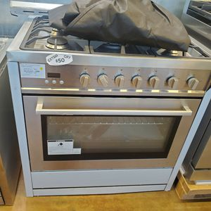"Cosmo 36"" All Gas Slide In Range for Sale in Orange, CA"