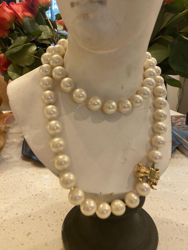 Kate Spade Pearl Moon River Collar
