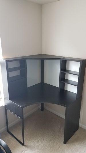 Corner Desk for Sale in Lombard, IL