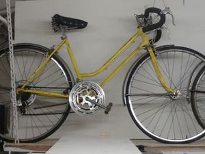 Schwinn road bike. RH for Sale in Oregon City, OR