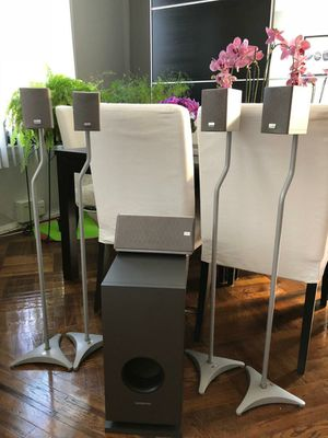 ONKYO subwoofer, 5 Onkyo speakers with Omni stands for Sale in Brooklyn, NY
