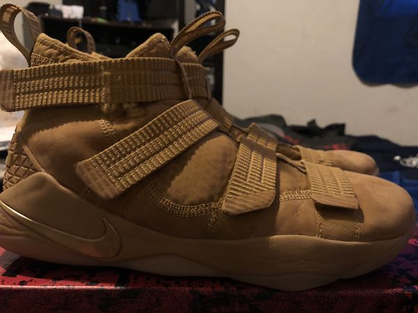LeBron Soldiers Basketball Shoes