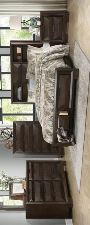 Chesky Bookcase Storage Platform Bedroom Set for Sale in Baltimore, MD
