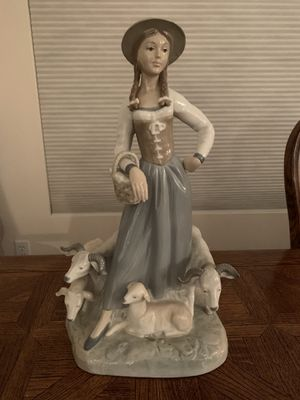 Lladro Zaphir/Nao figurine: Shepherdess for Sale in Fort McDowell, AZ