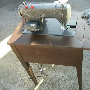 Free Old Vintage Sewing Machine for Sale in Antioch, CA