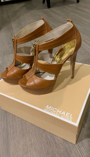 Michael Kors size 7 Leather brown heels for Sale in Austin, TX